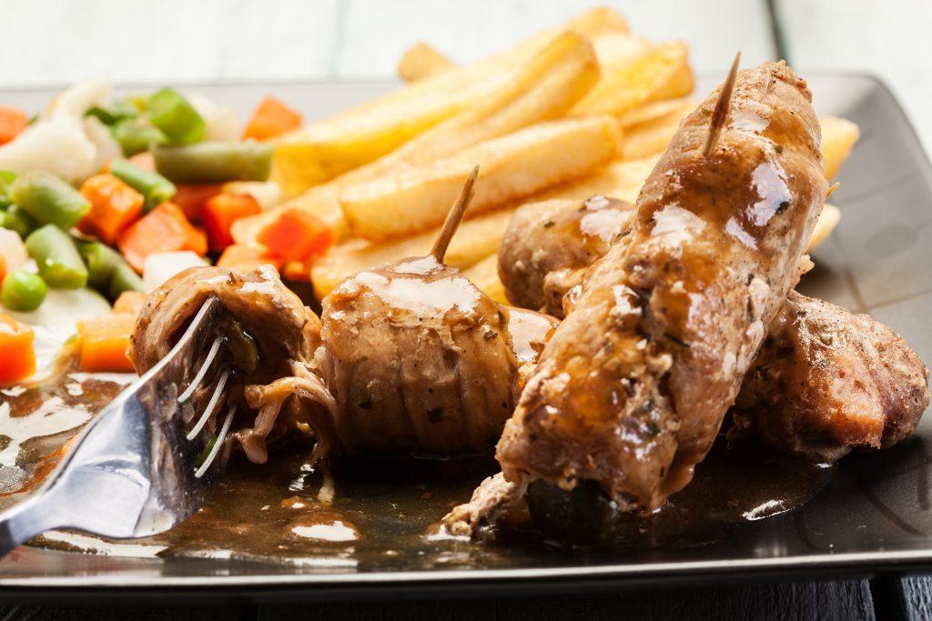 Рулетики мясные к праздничному столу. Пошаговый рецепт с фото
